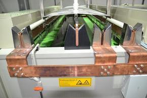 Elektropolierbehälter mit Ausrüstung für Hilfskathodentechnik im Automatikbetrieb