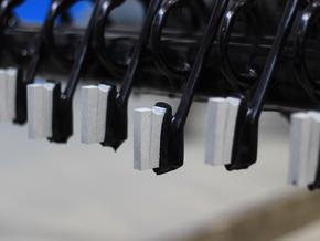 Sonderkontaktierung zum elektrolytischen Färben